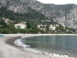 Beaulieu sur mer.Plage de la Petite Afrique mit schönem Sandstrand. Urlaub im Ferienhaus an der italienischen Riviera in Ligurien