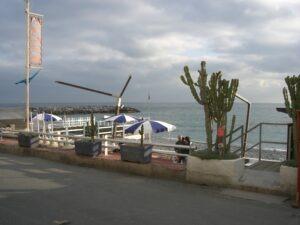 """Bordighera Strandcafé """"Agua"""", Urlaub an der italienischen Riviera in Ligurien"""