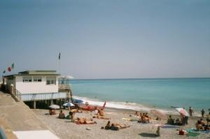 Bordighera am Strand. Urlaub an der italienischen Riviera im Ferienhaus in Dolceacqua.