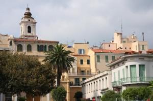 Bordighera.. Eingang zum Centro Storico. Urlaub an der italienischen Riviera.