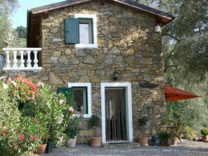 Unser Ferienhaus Casa Rochin bei Dolceacqua an der Blumenriviera in Ligurien.