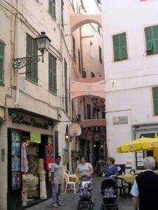 San Remo in der Altstadt, weitab von der Luxusmeile...Im Urlaub an der italienischen Riviera in Ligurien