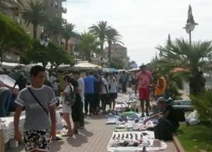 Freitagsmarkt in Ventimiglia. Urlaub an der italienischen Riviera in Ligurien