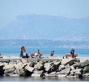 Ventimiglia am Strand. Im Urlaub an der italienischen Riviera in Ligurien im Ferienhaus Casa rochin bei Dolceacqua