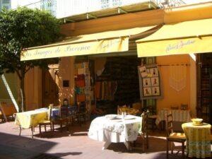 """Menton."""" Images de Provence"""" Geschäft in der Fußgängerzone. Urlaub an der italienischen Riviera in Ligurien"""