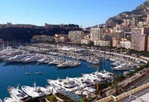 Monte Carlo Hafen. Im Urlaub an der italienischen Riviera in Ligurien