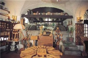 Dolceacqua. Bottega im Centro Storico. urlaub an der italienischen Riviera im Ferienhaus in Ligurien.