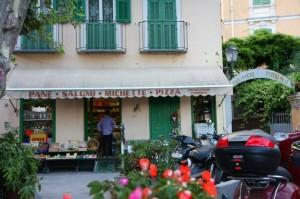"""Dolceacqua """"alimentari"""".Urlaub im Ferienhaus an der italienischen Riviera in Ligurien"""