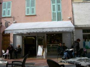 Menton Boulangerie Suisse im Winter