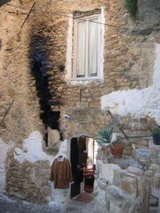 Bussana Vecchia-SanRemo. Urlaub an der italienischen Riviera in Ligurien