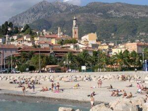 Menton der Stadtstrand. Urlaub an der italienischen Riviera in Ligurien, im Ferienhaus Casa Rochin bei Dolceacqua