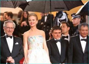 Cannes Regen Steven Spielberg und seine Jury