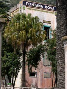 Menton. Jardin Fontana Rosa. Urlaub an der italienischen Riviera im Ferienhaus in Ligurien.