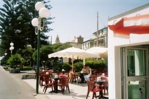 Bordighera. Bar Eden. Urlaub an der italienischen Riviera in Ligurien