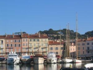 Ein Ausflug nach Saint Tropez. Im Urlaub an der italienischen Riviera in Ligurien