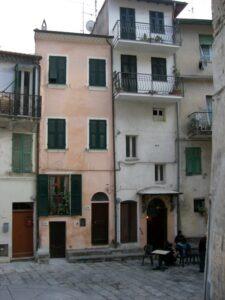 Vallebona. Dorf im Hinterland der italienischen Riviera bei Bordighera.