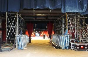 Monte Carlo.Das Zelt wird aufgebaut.
