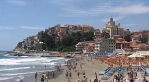 Imperia. Riviera di Ponente, Ligurien. Strand
