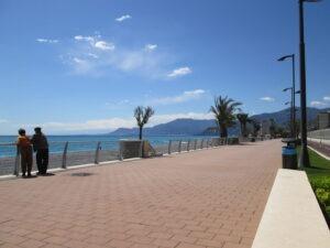 Vallecrosia. Neuer Boulevard. Urlaub an der italienischen Riviera in Ligurien