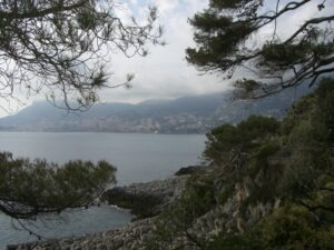 Menton. Promenade Le Corbusier von Menton nach Monaco. Ferien in Ligurien an der Riviera di Ponente
