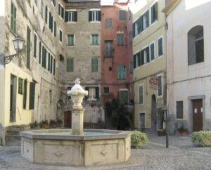 Der Dorfplatz von Airole. Unser Ferienhaus in Ligurien. Abenteuerbericht mit Folgen