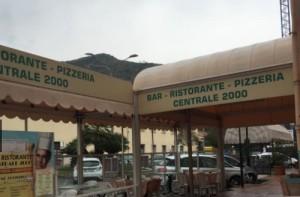 Bar Centrale am Bahnhof von Ventimiglia in Ligurien