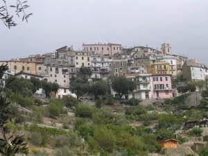 der Weg zur Piazza von Perinaldo