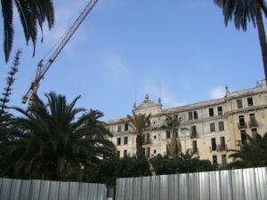 Bordighera. Hotel Angst wird restauriert.Urlaub an der italienischen in Riviera in Ligurien im Ferienhaus