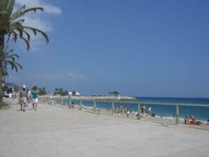 Menton. Strandboulevard. Urlaub an der italienischen Riviera in Ligurien