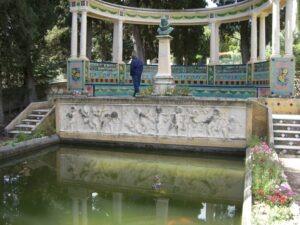 Menton. Garten Fontana Rosa. Ferien in Ligurien an der italienischen Riviera.