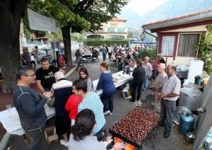 Kastanienfest in Menton. Urlaub an der italienischen Riviera in Ligurien