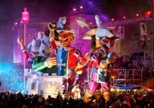 Nizza. Karneval. Lichterparade