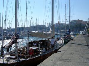 San Remo. Hafen. Im Urlaub an der italienischen Riviera in Ligurien im Ferienhaus Casa Rochin.
