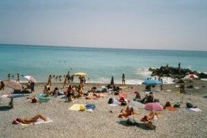 Bordighera. Am Strand. Urlaub an der italienischen Riviera in Ligurien
