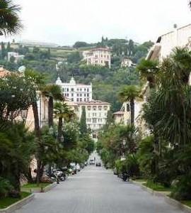 Bordighera. Corso Italia. Urlaub an der italienischen Riviera im Ferienhaus in Ligurien.