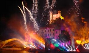 Spettacolp Pirotecnico 17/08 - Ora 22:30 alle 23:30.Dolceacqua. Urlaub im Ferienhaus an der italienischen Riviera in Ligurien