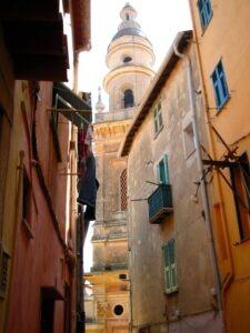 Menton Altstadt. Urlaub an der italienischen Riviera im Ferienhaus Casa Rochin in Ligurien