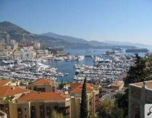 Monaco, Hafen. Urlaub an der italienischen Riviera im Ferienhaus bei Dolceacqua in Ligurien