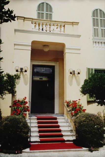 Eingangsportal von Villa Elisa in Bordighera, italienische Riviera, Ligurien