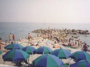 Bordighera an der italienischen Riviera, unser kleiner Strand. Ferien in Ligurien