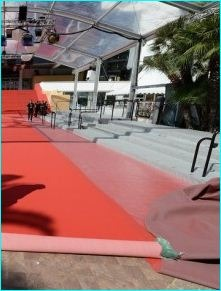 Cannes, französische Riviera, der rote Teppich wird ausgerollt