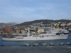 Nizza. Hafen. Urlaub an der italienischen Riviera in Ligurien