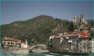 Dolceacqua Webcam. Urlaub an der italienischen Riviera in Ligurien