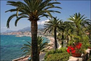 Menton. Jardin de la Villa Serena. Urlaub an der italienischen Riviera im Ferienhaus in Ligurien