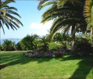 Menton Jardin de la Villa Serena. Urlaub an der italienischen Riviera im Ferienhaus bei Dolceacqua in Ligurien