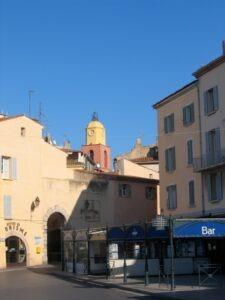 St. Tropez. Altstadt. Im Uraub an der italienischen Riviera im Ferienhaus bei Dolceacqua in Ligurien