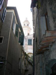 Vallebona. Dorf im Hinterland der italienischen Riviera bei Bordighera