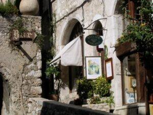 Saint-Paul de Vence. Urlaub an der italienischen Riviera im Ferienhaus bei Dolceacqua in Ligurien