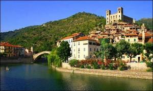 Dolceacqua. Urlaub an der italienischen Riviera in Ligurien.
