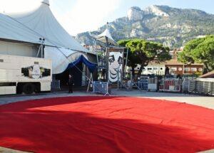 Monte Carlo 38. Zirkusfestival. Im Urlaub an der italienischen Riviera in Ligurien.